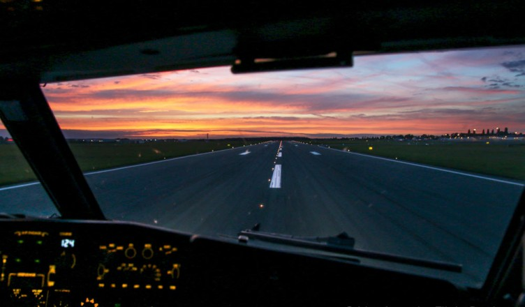 Engine Failure On Takeoff: Do You Stop Or Go??